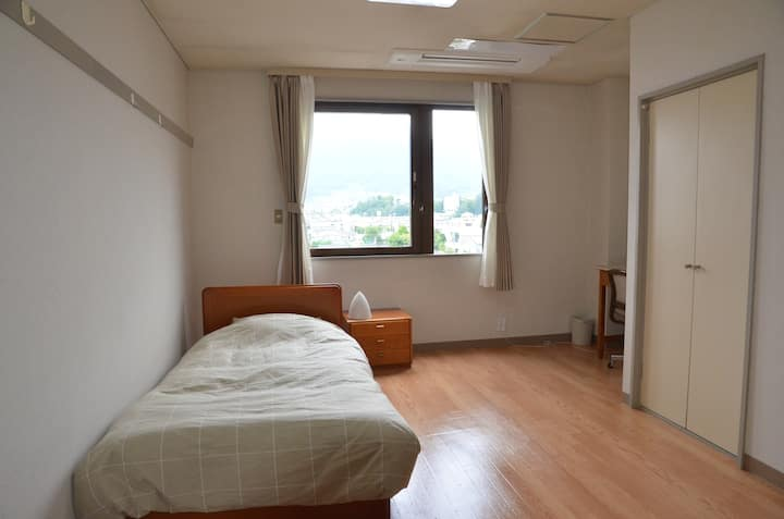 Private room with single bedded  in Ueda