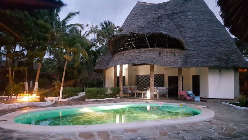 Watamu Beach charming Villa  & pool central Watamu