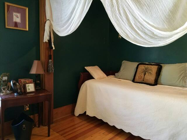 Lilac Gardens - Safari Room - Montrose - Bed & Breakfast