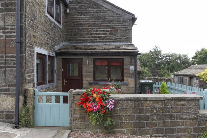 Moorside cottage near haworth
