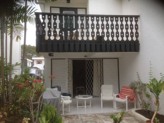 Immaculate townhouse with pool on Rockley Golf