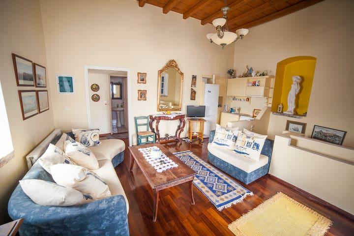 Amorgos - Chora - The Βougainvillea΄s House