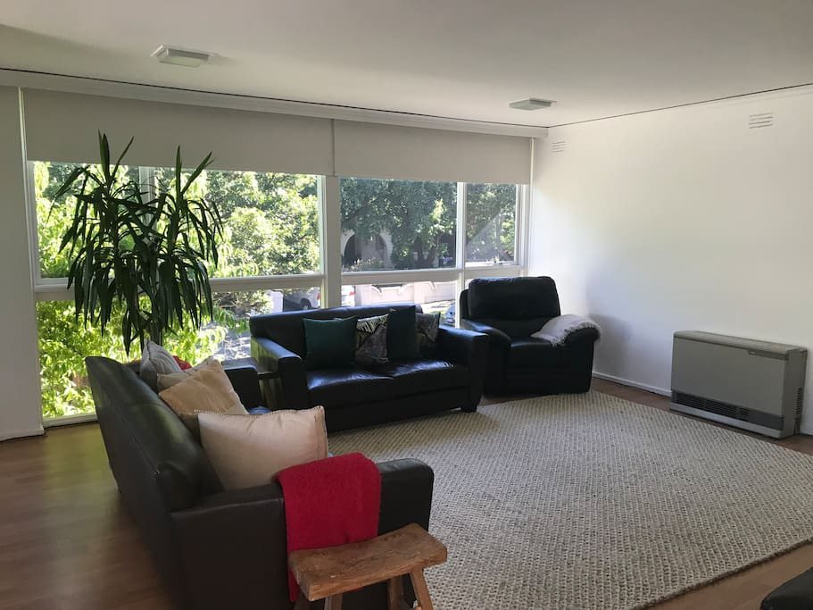 Open space living, airconditioning and instant heating