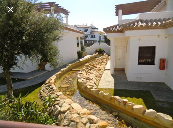 Apartamento con jardín Privado a 400m de la playa