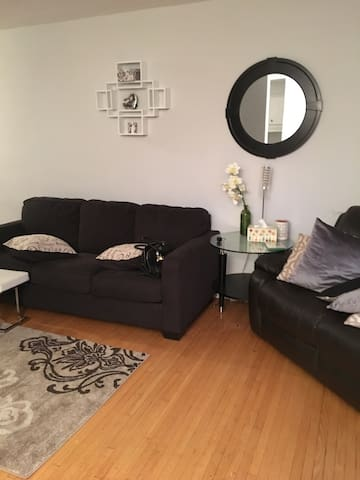 Private cozy shared home minutes from the airport