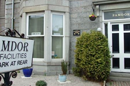 Aberdeen Pamdor Guest House Room 7 - Aberdeen - Bed & Breakfast