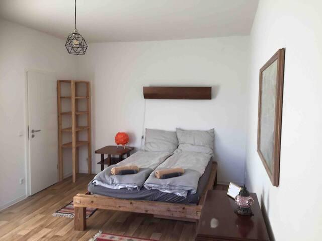 Calm flat near Kreuzberg 36