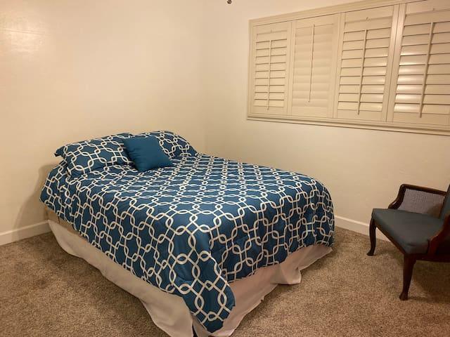 Private Corner room, University & Stapley in Mesa