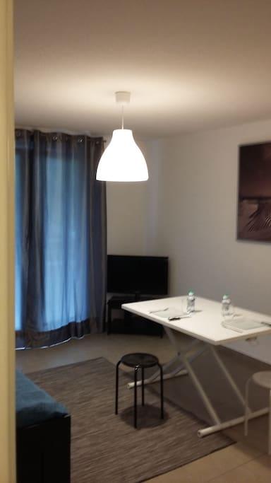 Studio calme dans r sidence avec piscine appartements for Piscine de cournon