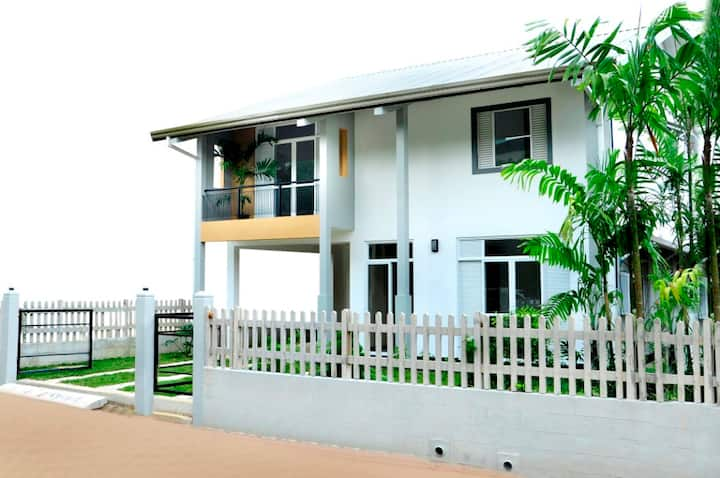KING VILLA - MALABE (COLOMBO) -LUXURY HOLIDAY