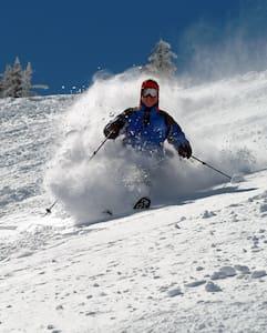 Snowbird Cliff Club Ski In/Ski Out Condo Sleeps 10 - Sandy - Társasház