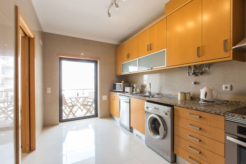 Well equipped kitchen with balcony