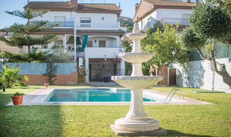 R51 Charming holiday house Segur de Calafell - Calafell - Casa
