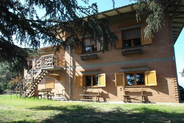 Pittoresca Villa a Cesena con Sauna