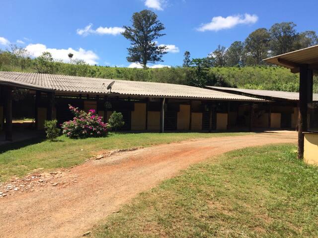 Chalé Haras Haddad - Estancia Parque de Atibaia - House