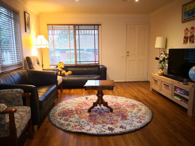 Best Priced 3 BRs Townhouse for 8 Guests