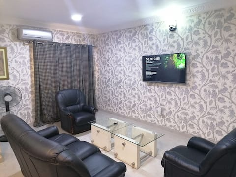 Entire 1 Bedroom Furnished Apartment . 24hrs POWER