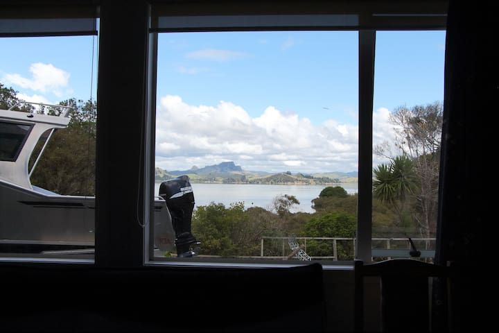Whangaroa Harbour holiday home - Kaeo