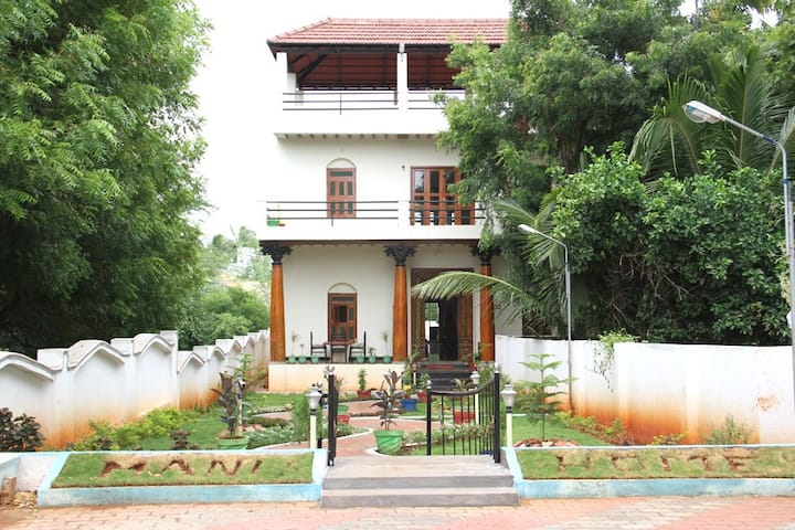 Mani Home Stay, Deluxe Room -3 -Trichy