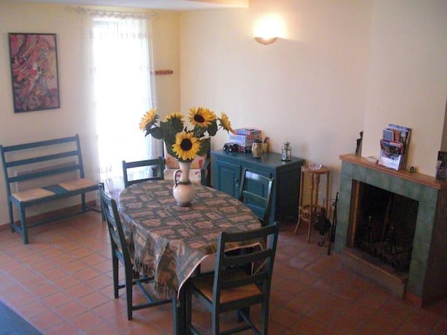Une agréable maisonnette dans les Hautes Corbières - Vignevieille