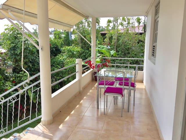Villa créole cosy spacieuse avec jardin