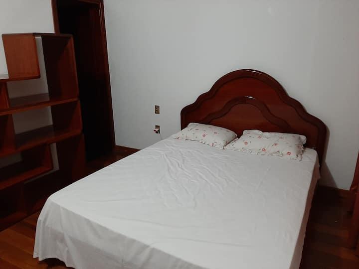 Suite 3  piso superior - COM ANFITRIÃO
