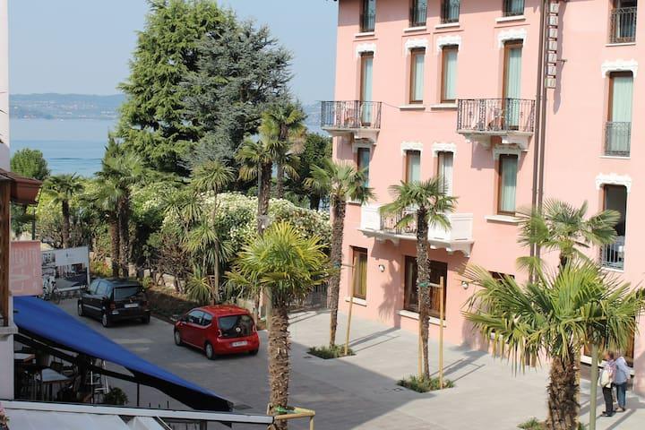 SUITE VIRGILIO  MAVINO APPARTAMENTI - Sirmione - Διαμέρισμα