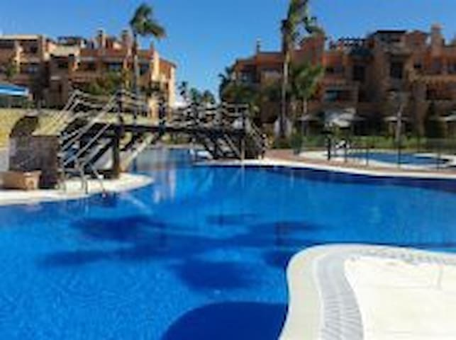 Superb brand new 2bed/2bath flat - Estepona - Apartamento