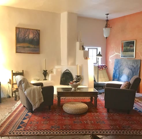 Charming Historic Adobe Home in Jacona - Santa Fe - Huis