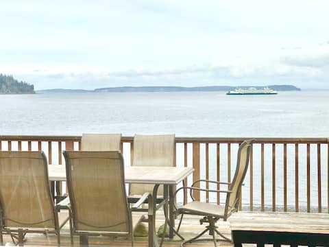 Waterfront Beach Cabin with Fireplace, Kingston