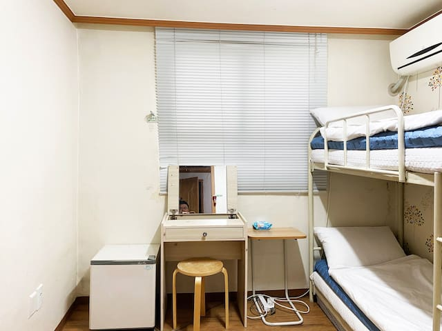 Single Room : 5Min. to 'Kyunghee' & 'Korea' Uni.