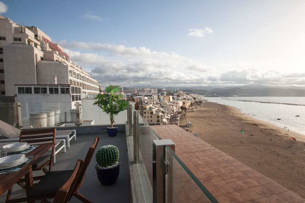 terrace penthouse las canteras beach wohnungen zur miete in las palmas de gran canaria. Black Bedroom Furniture Sets. Home Design Ideas