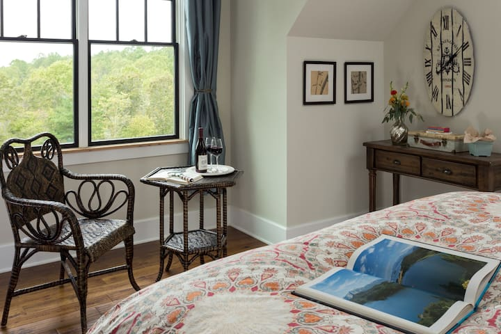 Ad Astra B&B Wanderlust Suite - Afton - Bed & Breakfast