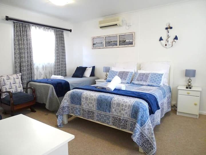 Deluxe Double/Twin Room, Big Skies Guesthouse