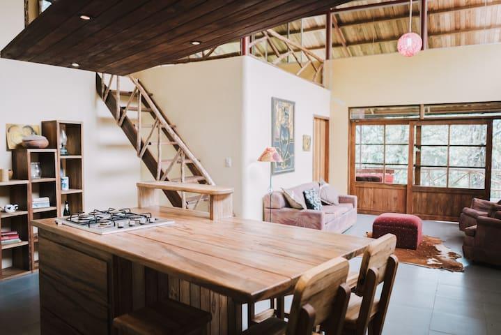 Hermosa Casa en la amazonía ecuatoriana