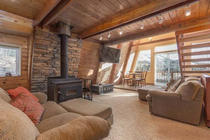 Cabin, Dog Friendly, Fireplace, wifi, Parking, Outdoor BBQ