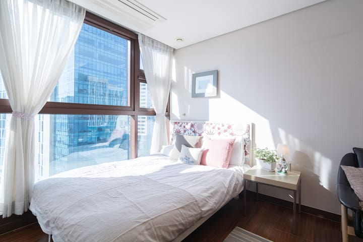 Lovely flat in Central Seoul w/WIFI