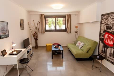 NN's Cozy GuestHouse, near Beach & Athens Airport