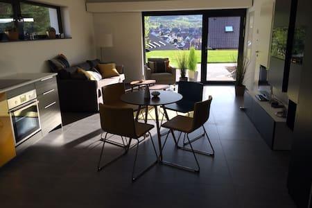 stylisches Studio (45m²) in ruhiger Toplage - Neuffen