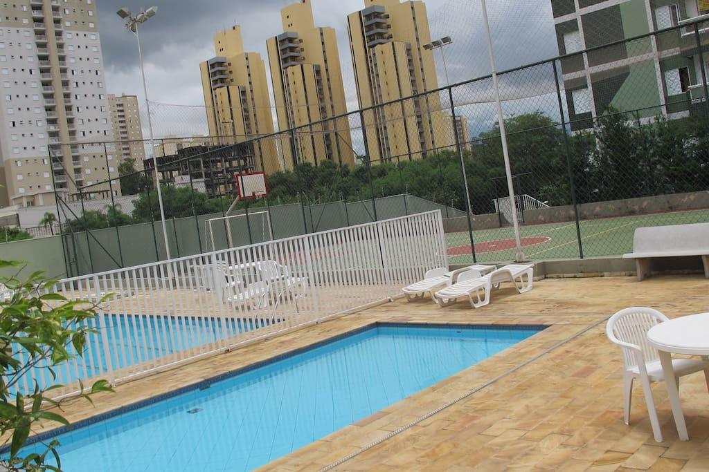 Área de lazer: Piscina, Play Ground,Churrasqueira e quadra poliesportiva.