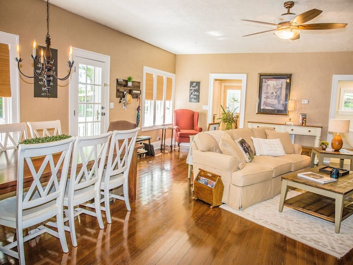 Beautiful Branson Home! Perfect Downtown Location!
