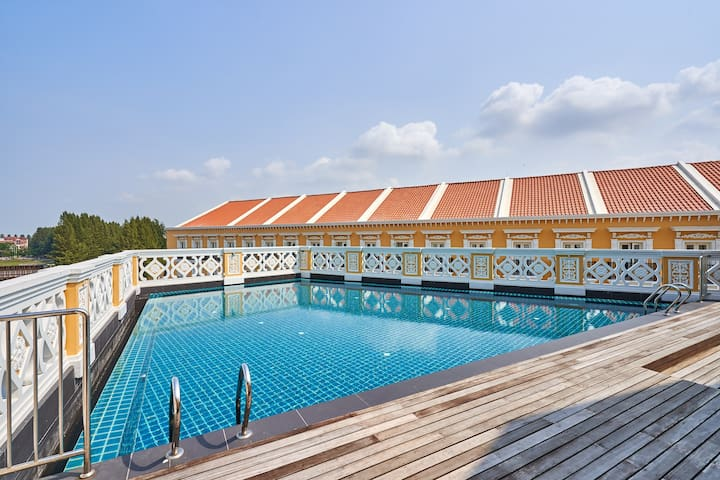 1BR Platinum Suite Stay, Malacca Island