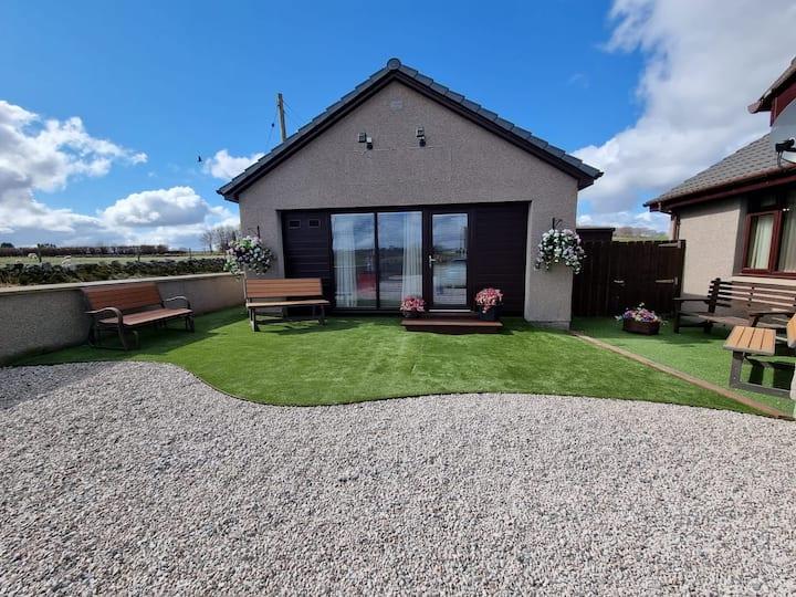 Cosy Lodge in Aberdeenshire Countryside