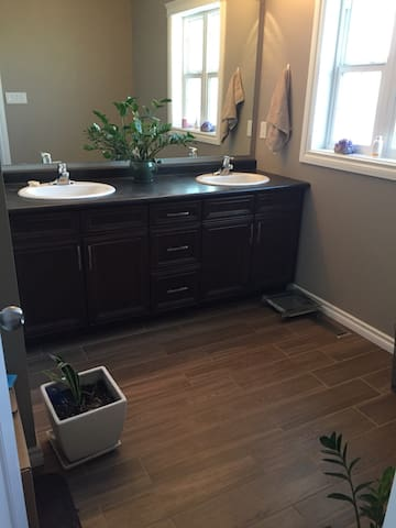 Lloydminster Acres own ensuite bathroom