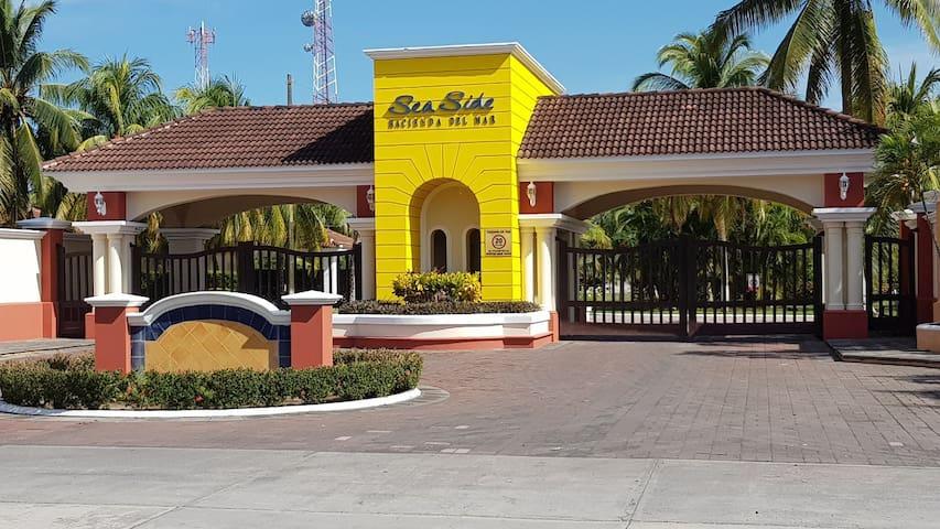 Puerto San José,  Súper cómoda/bella Casa  Privada