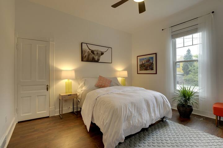 Luxury Riverview Home - 2 Bedroom