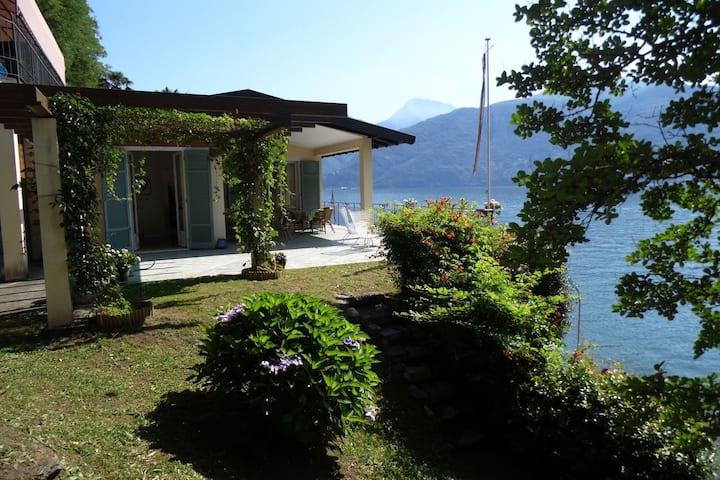Casa de lujo de vacaciones en Menaggio al lado del lago
