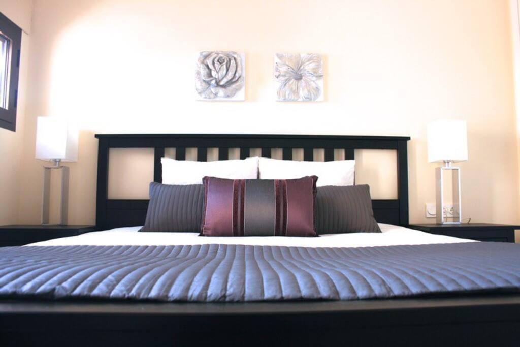 Super king-size Master Bedroom