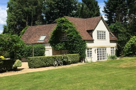 Beautiful South Down's cottage w/ gate to S. Downs - West Sussex - Rumah