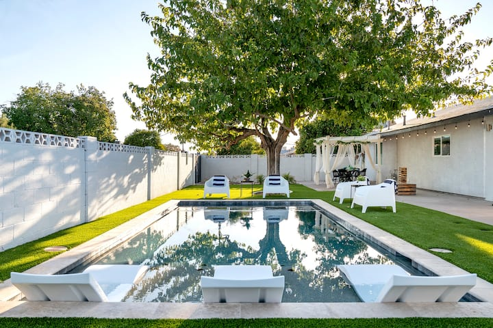 ✴ Heated Pool ✴ Giant Spa ✴ Lux Outdoor Living ✴